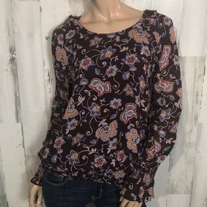 Beautiful floral dressy shirt top blouse